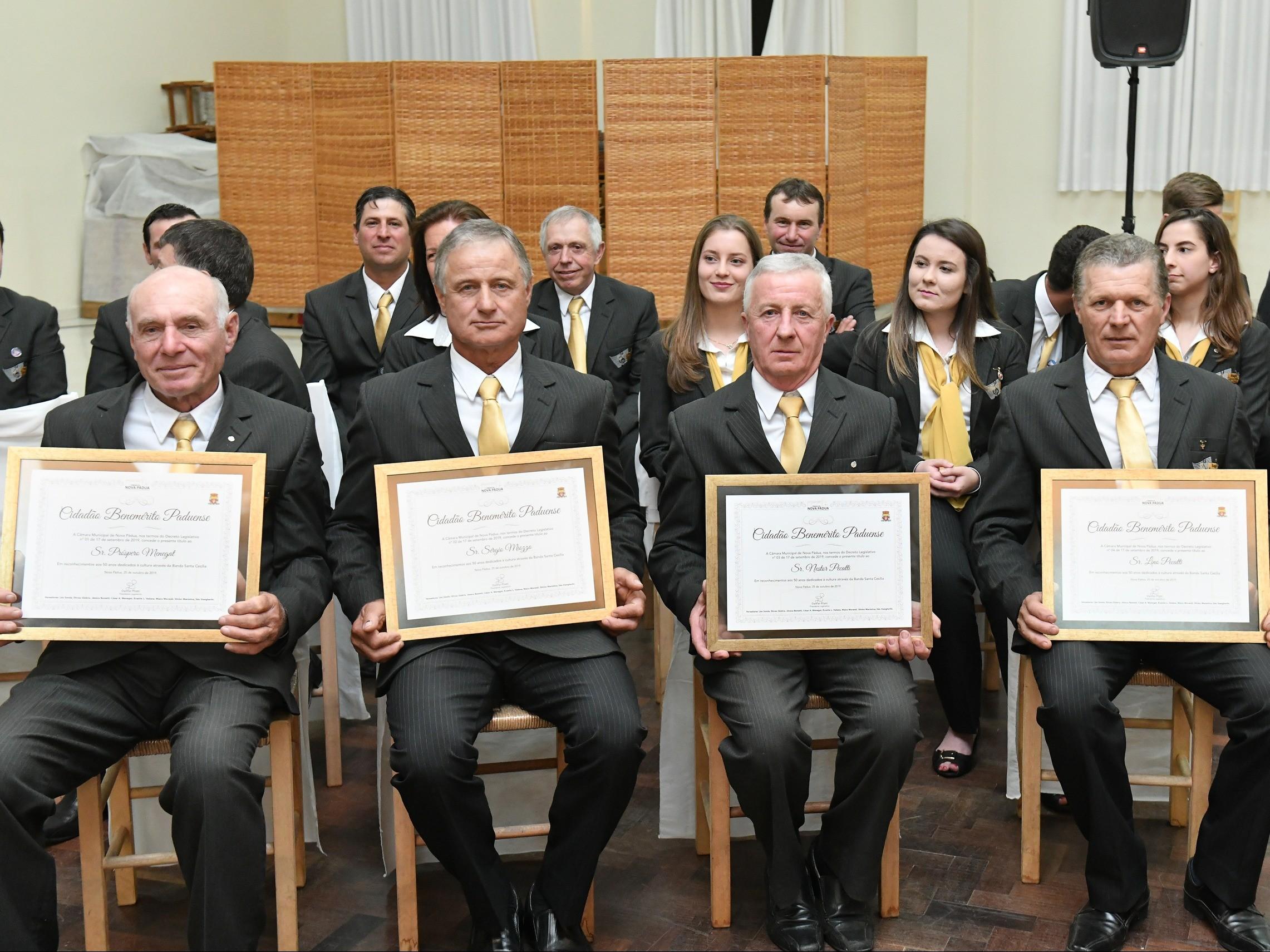 Foto de capa da notícia Câmara concedeu honrarias de Cidadão Benemérito Paduense a quatro integrantes da Banda Santa Cecília