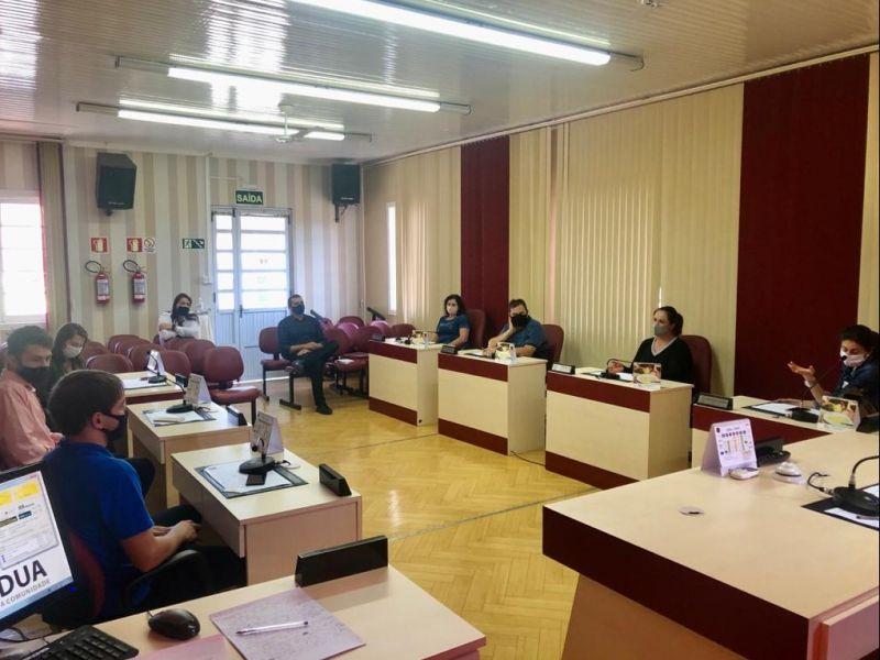 Foto de capa da notícia Vereadores realizam reunião para debater a Educação