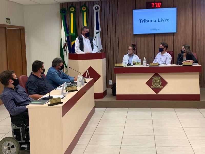 Foto de capa da notícia: Câmara recebe o novo Pároco de Nova Pádua.