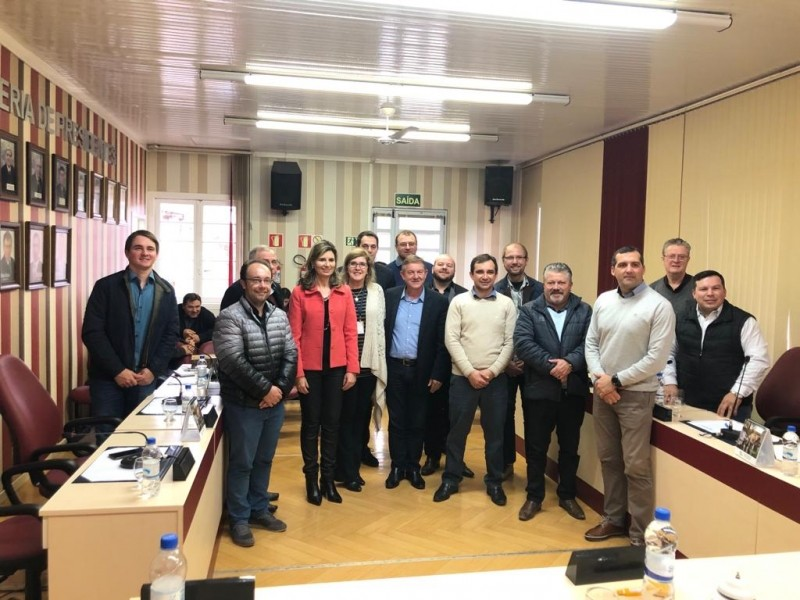 Foto de capa da notícia Parlamento Regional discute educação em Nova Pádua