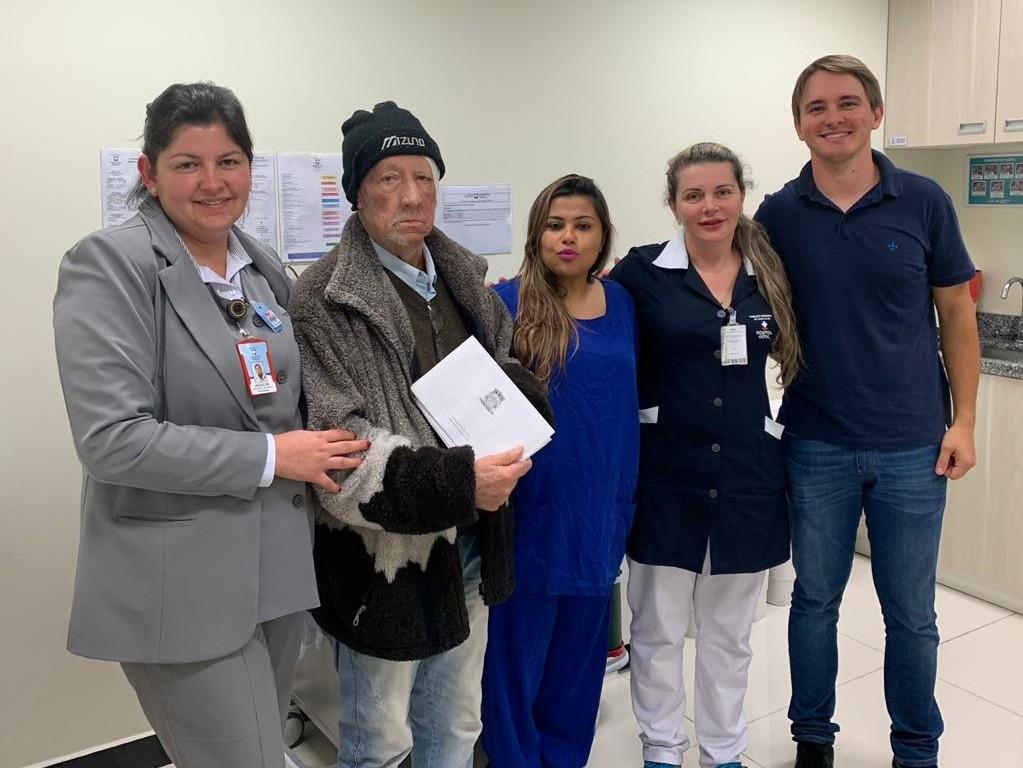 Foto de capa da notícia Câmara entrega cartão de agradecimento aos funcionários do Hospital Geral de Caxias do Sul