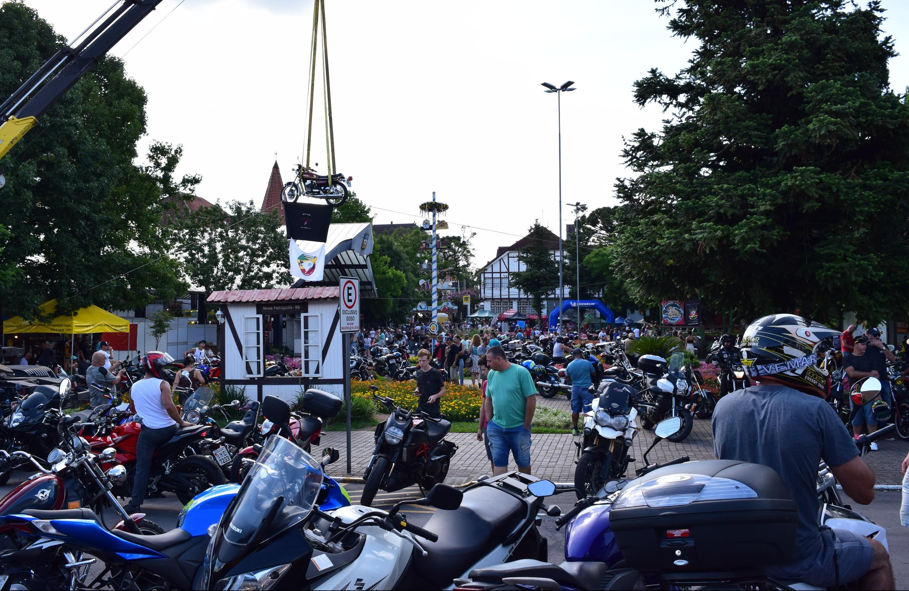 Foto Encontro de Motos, música e caminhada são atrações do primeiro fim de semana no Verão no Jardim da Serra Gaúcha