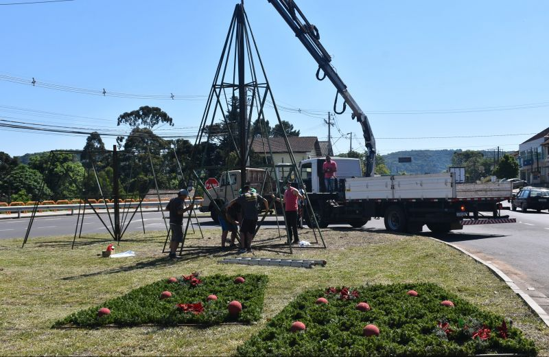 Foto Decoração do Natal no Jardim da Serra Gaúcha 2020 começa a ser instalada em Nova Petrópolis