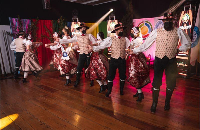Foto Lendas, oficinas, jogos germânicos, caminhada e muita dança nos últimos dias do 48º Festival Internacional de Folclore