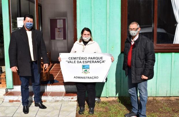 Autoridades no setor administrativos específico, localizado na Rua Acre, nº 190, no Bairro Logradouro, ao lado do Horto Municipal - Crédito das fotos: Jordana Kiekow | Comunicação PMNP