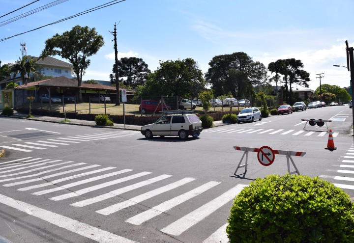 Sinalização entre as Ruas Padre Amstad e Dom Pedro II. CRÉDITO DA FOTO: Jordana Kiekow |  Comunicação PMNP