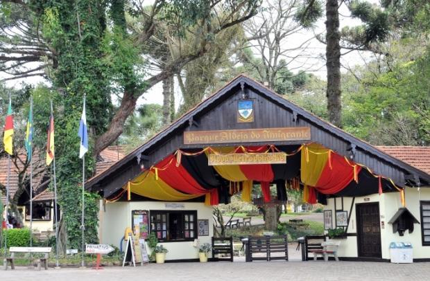 Foto de capa: Parque Aldeia do Imigrante e Aldeia Histórica