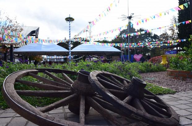 Decoração rústica e típica caracteriza o festival Colônia | Foto: Adriana Monteiro Arrial | Comunicação PMNP