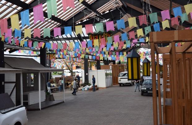 Rua Coberta está enfeitada para o Festival Sabores da Colônia | Foto: Adriana Monteiro Arrial | Comunicação PMNP