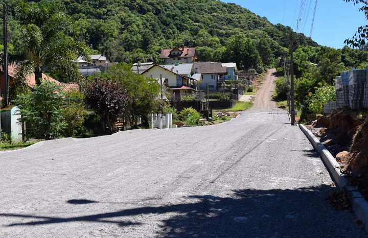 Alargamento e Pavimentação da Rua Vitória, em Linha Imperial - Crédito das fotos: Jordana Kiekow | Comunicação PMNP