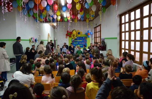 Autoridades municipais, ACPM, pais e alunos comemoraram juntos o aniversário