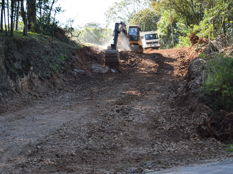 Foto de capa da notícia: Obras de infraestrutura foram visitadas por autoridades municipais