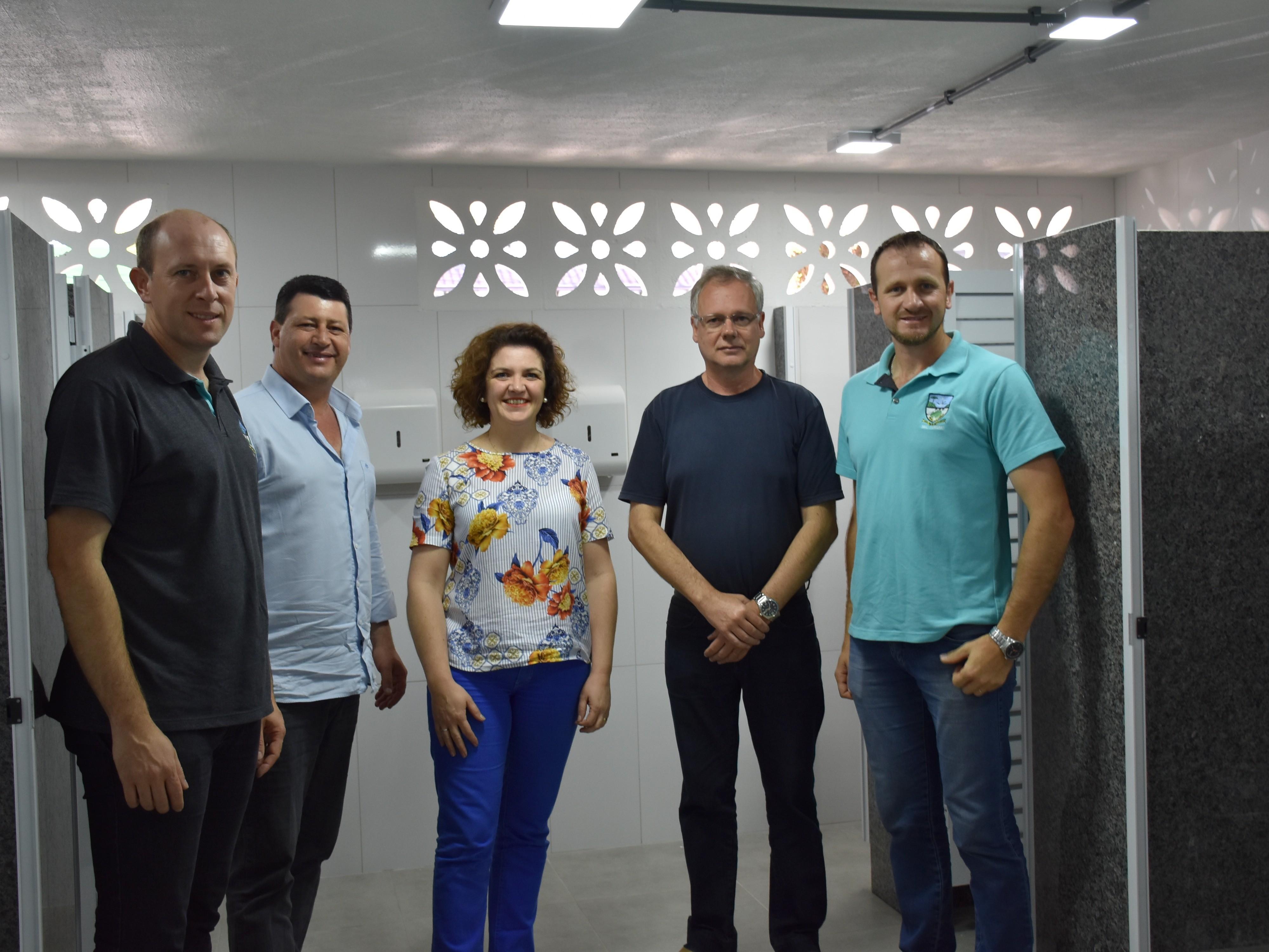 Foto de capa da notícia: Finalizadas reformas nos banheiros públicos da Praça das Flores de Nova Petrópolis