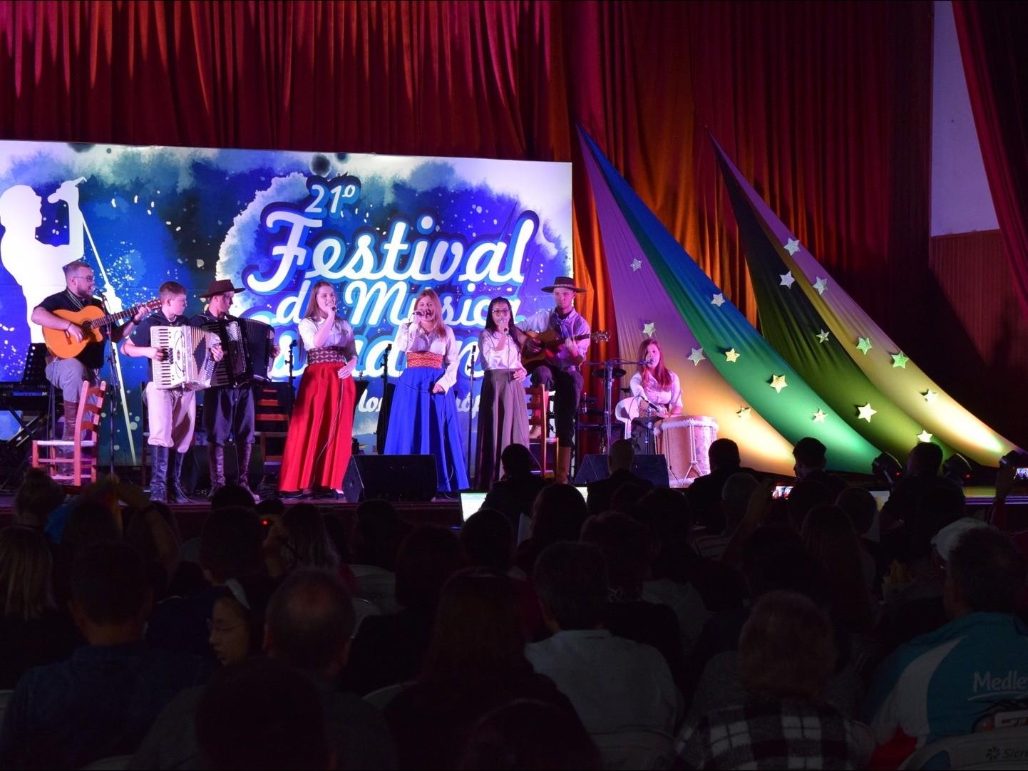 Foto de capa da notícia: Festival Municipal de Música Estudantil é realizado com sucesso