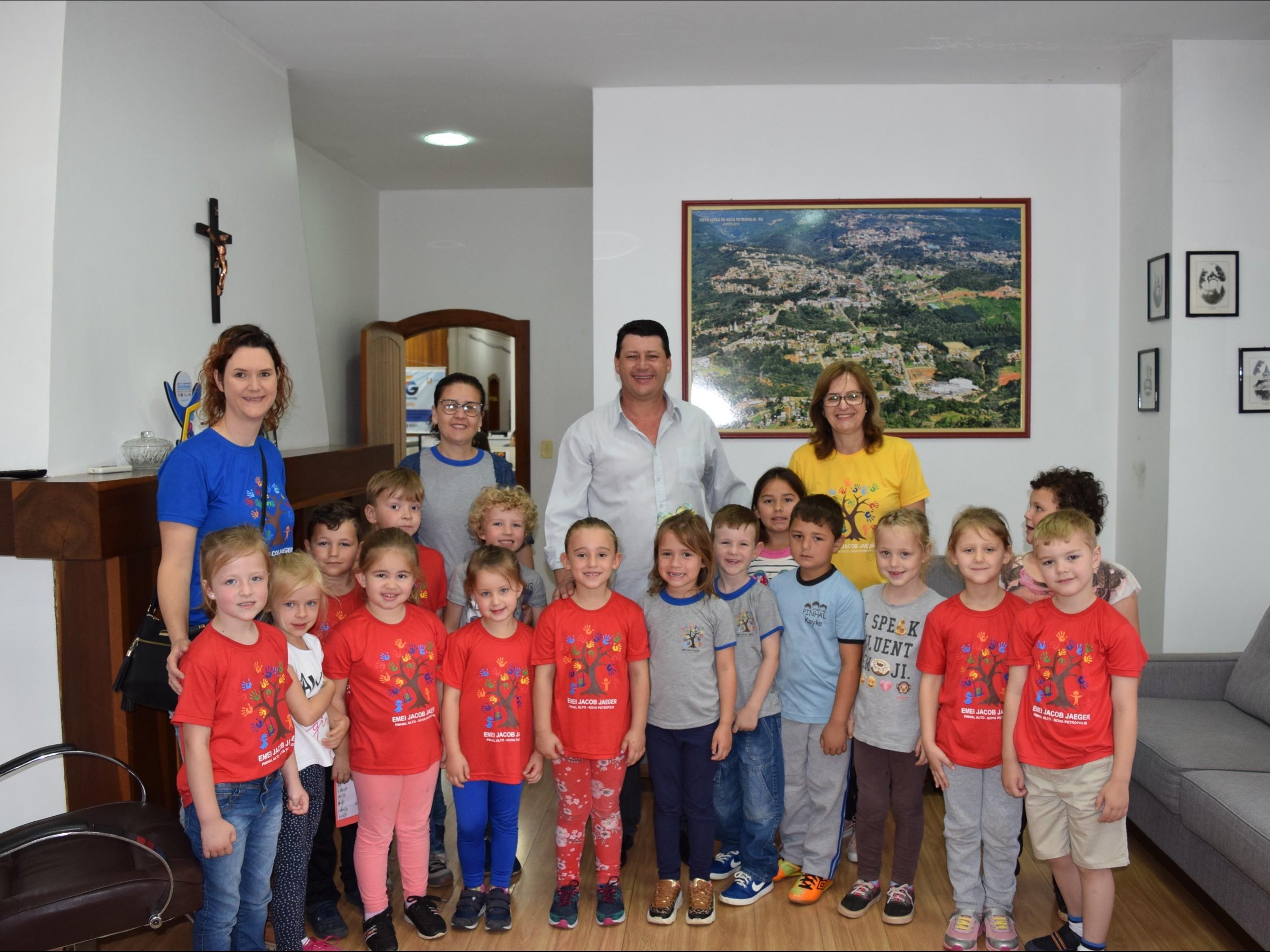 Foto de capa da notícia: Vice-prefeito em Exercício foi convidado para formatura da EMEI Jacob Jaeger