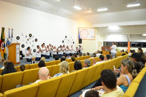 Foto de capa da notícia: CAPS Vida Nova realizou Noite Cultural no Plenarinho da ACINP
