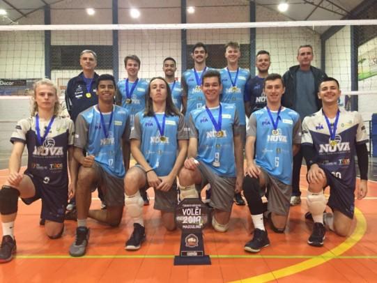 Foto de capa da notícia: Vôlei Nova Petrópolis Infanto vence o Municipal de Voleibol