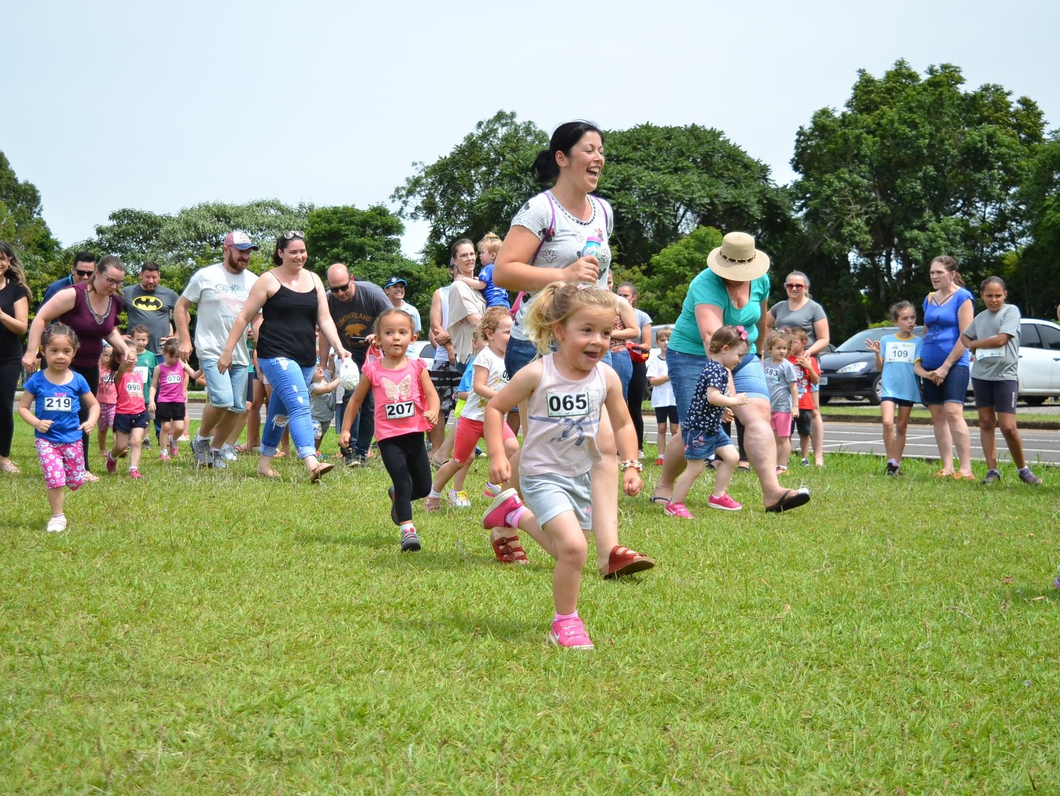 Foto de capa da notícia: Rústica Infantil teve participação de 100 crianças