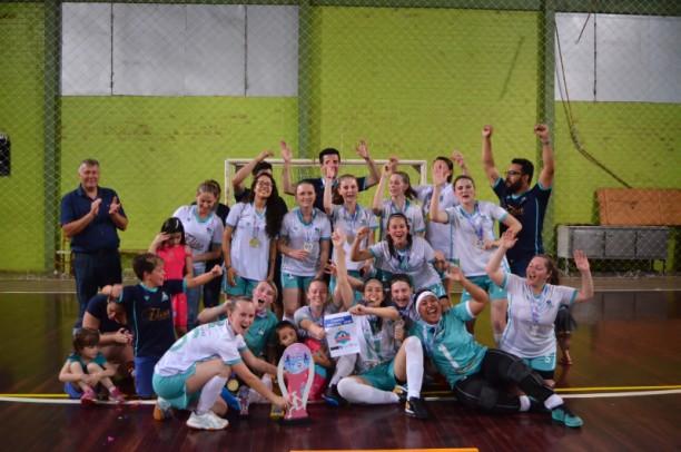 Foto de capa da notícia: Clínica Futsal vence Campeonato Municipal de Futsal Feminino