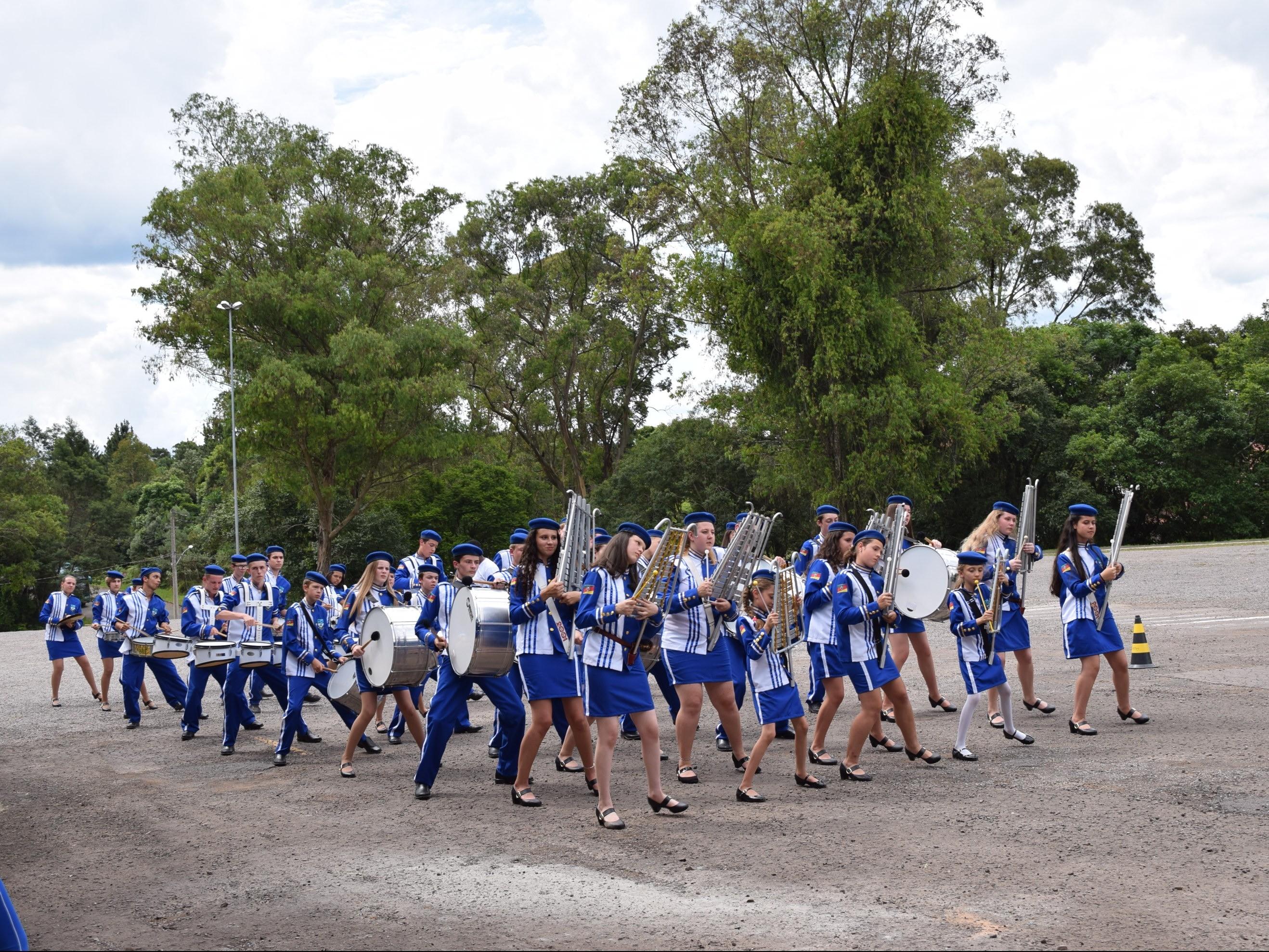 Foto de capa da notícia: 1º Encontro de Bandas Marciais de Nova Petrópolis contou com 172 participantes