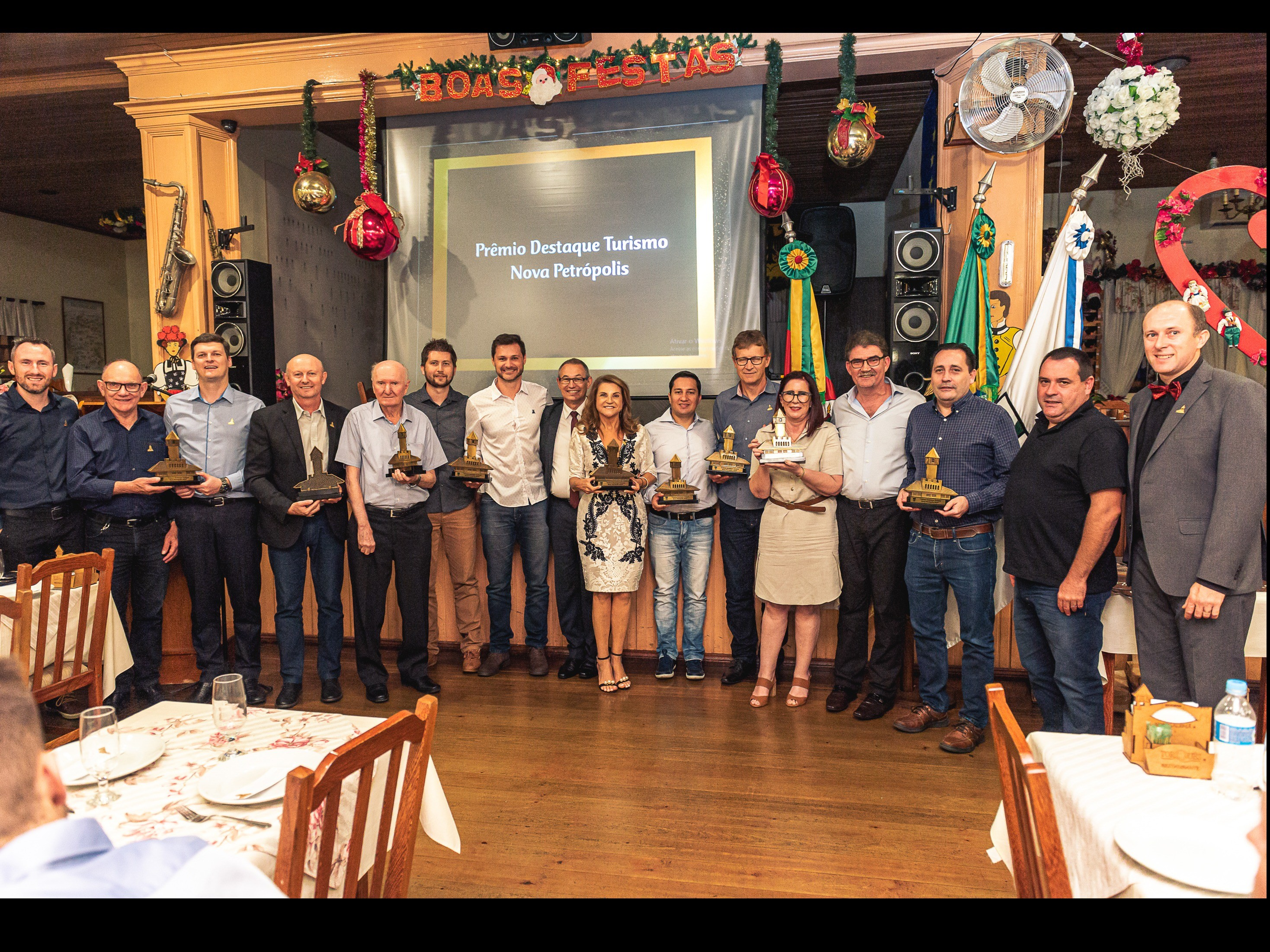 Foto de capa da notícia: Prêmio Destaque Turismo Nova Petrópolis homenageou dez categorias do ramo no dia 15 de dezembro