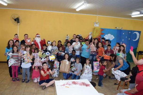 Foto de capa da notícia: Serviço de Convivência e Fortalecimento de Vínculos celebra o Natal