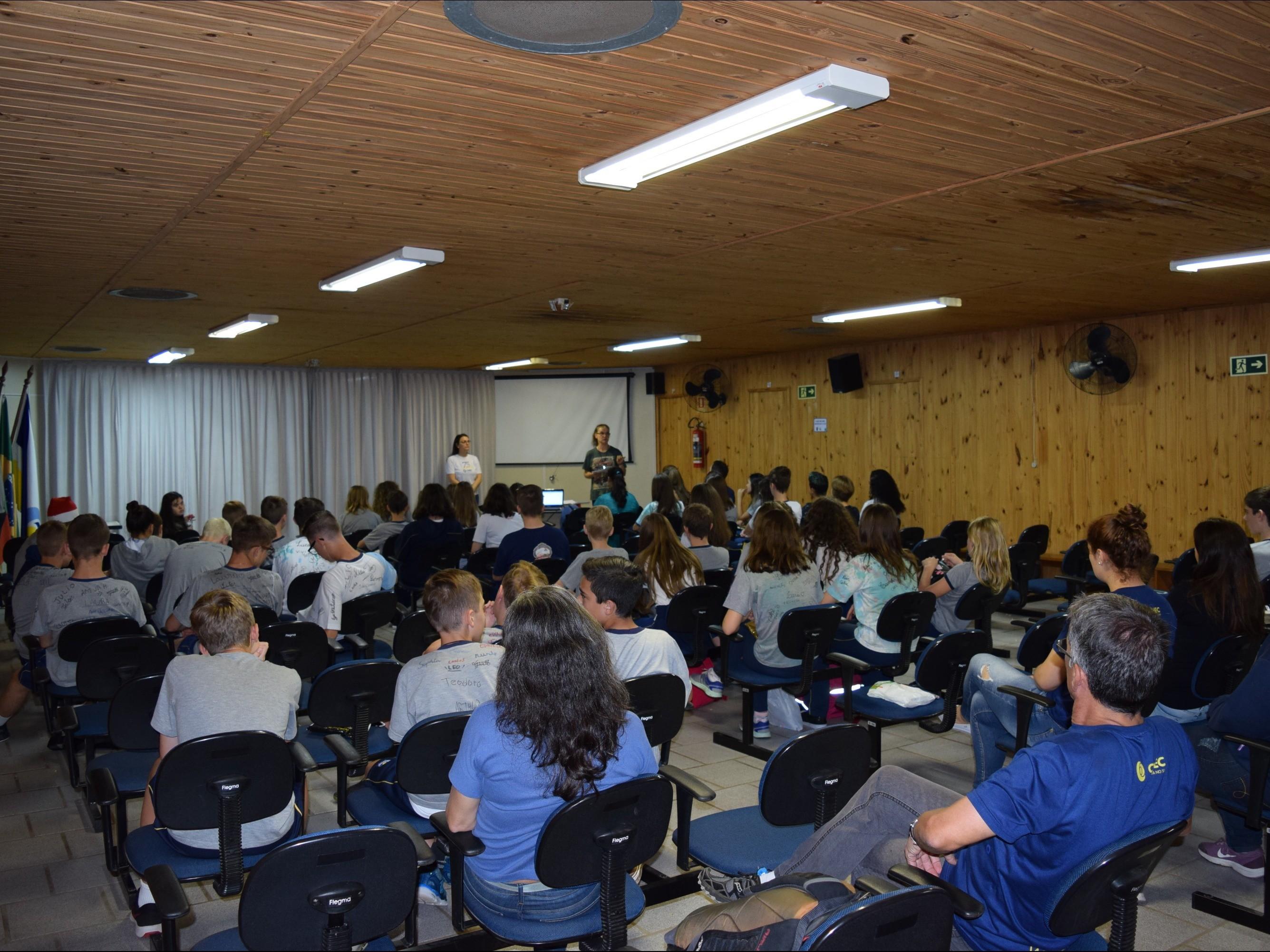 Foto de capa da notícia: Alunos de Nova Petrópolis recebem certificados de proficiência em língua alemã