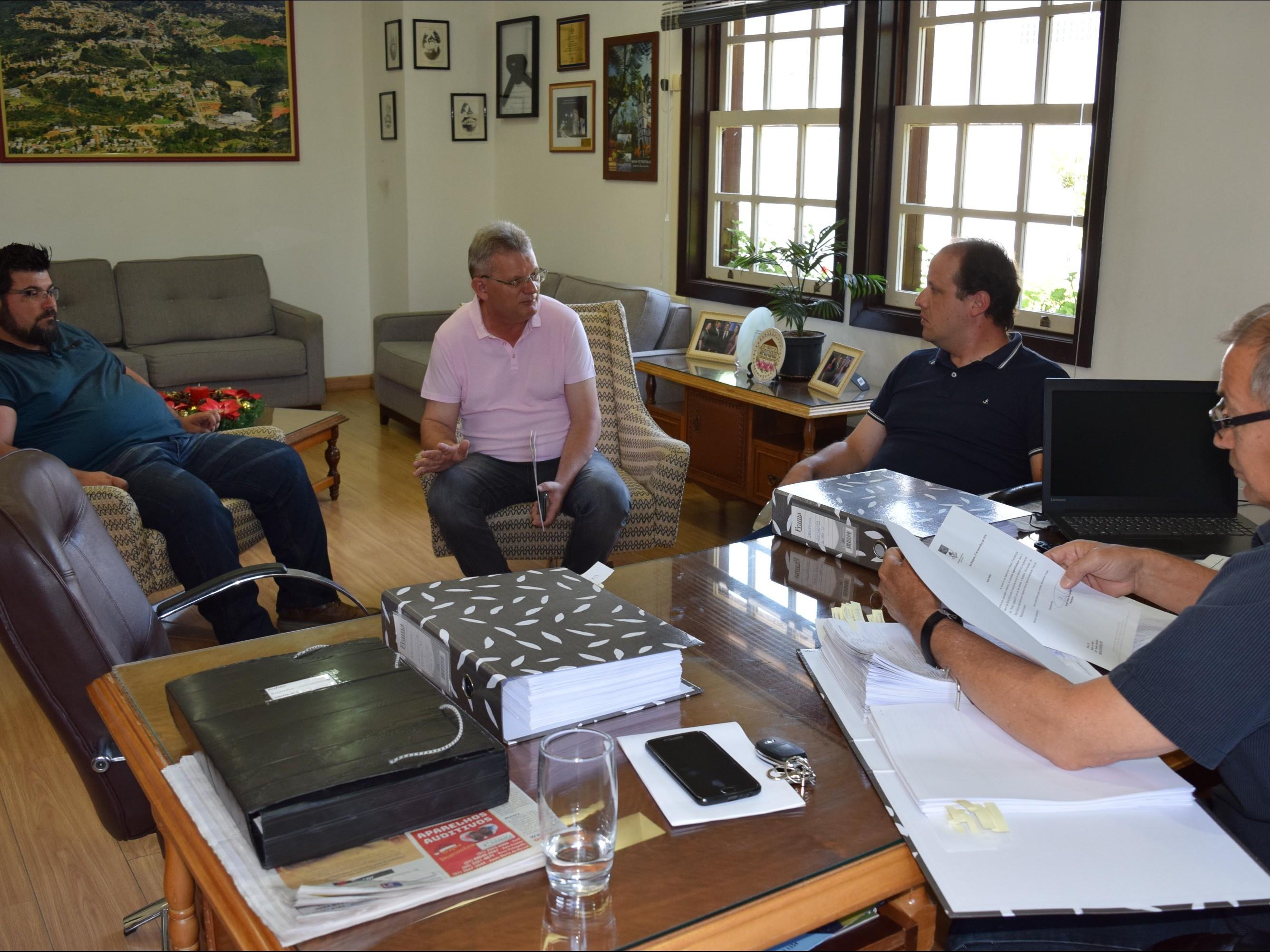 Foto de capa da notícia: Prefeito de Nova Petrópolis recebe presidente da Câmara de Vereadores
