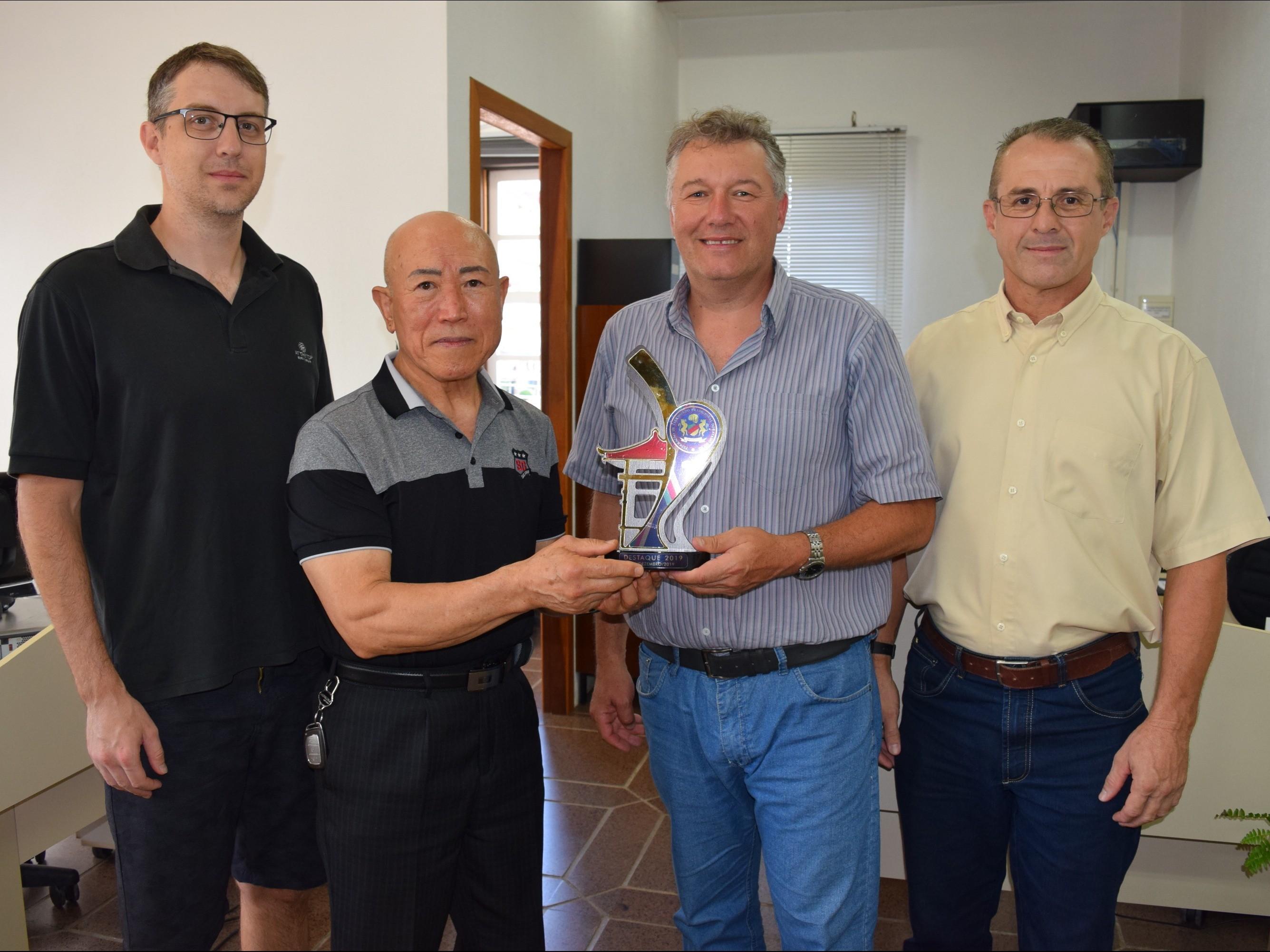Foto de capa da notícia: Grão Mestre Te Bo Lee agradece pelo incentivo do Taekwondo em Nova Petrópolis