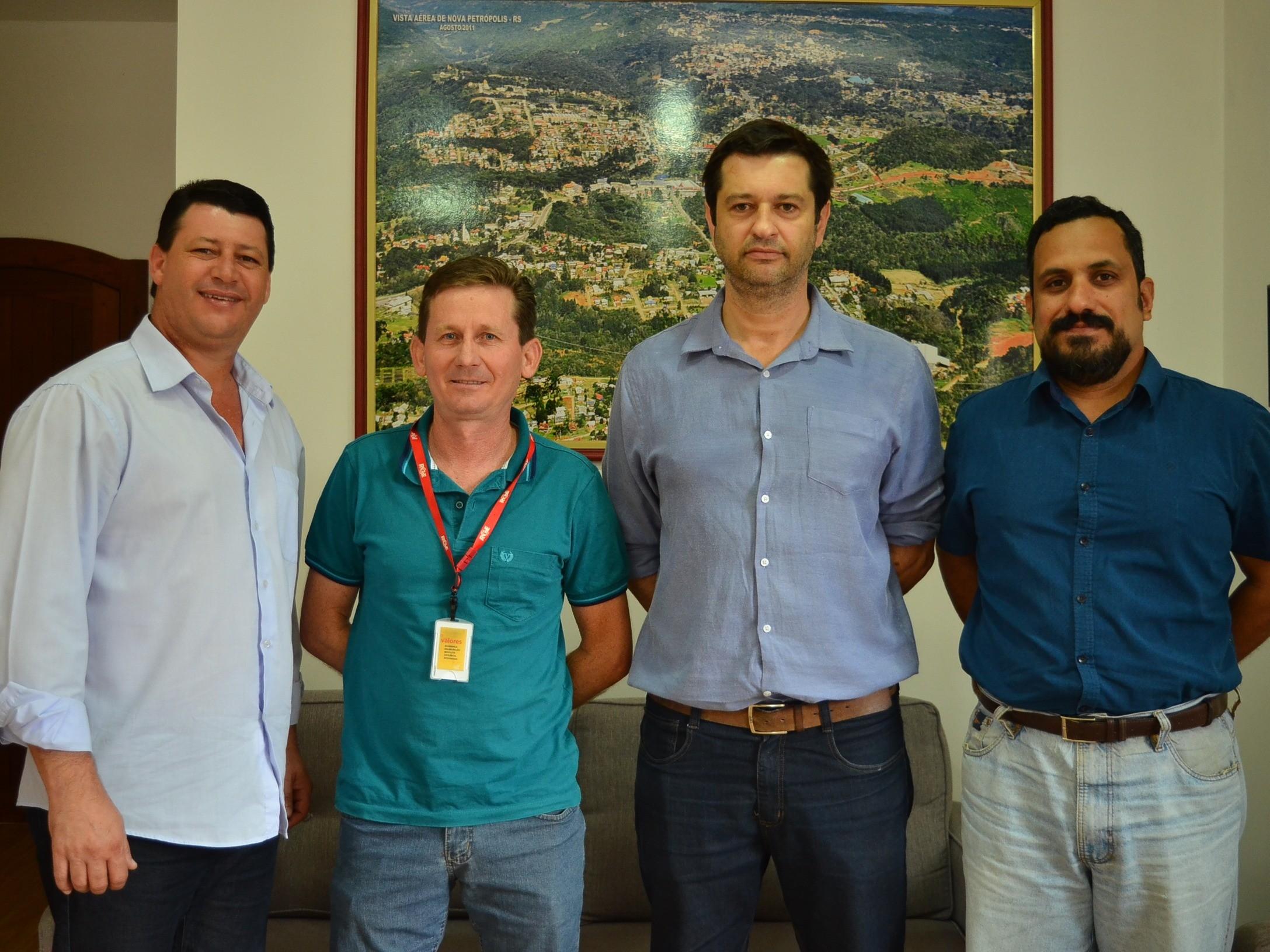 Foto de capa da notícia: RGE anuncia investimento de R$ 1 milhão na rede elétrica do interior de Nova Petrópolis