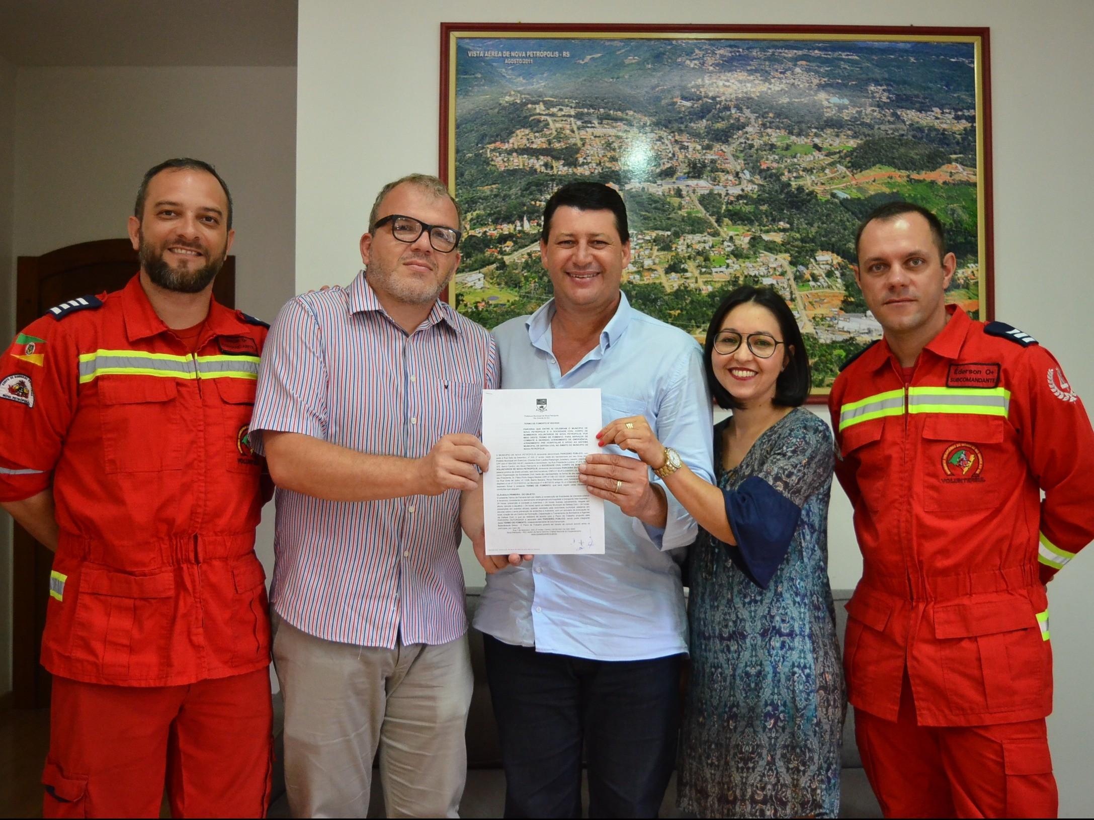 Foto de capa da notícia: Nova Petrópolis repassa R$ 480 mil ao Corpo de Bombeiros Voluntários