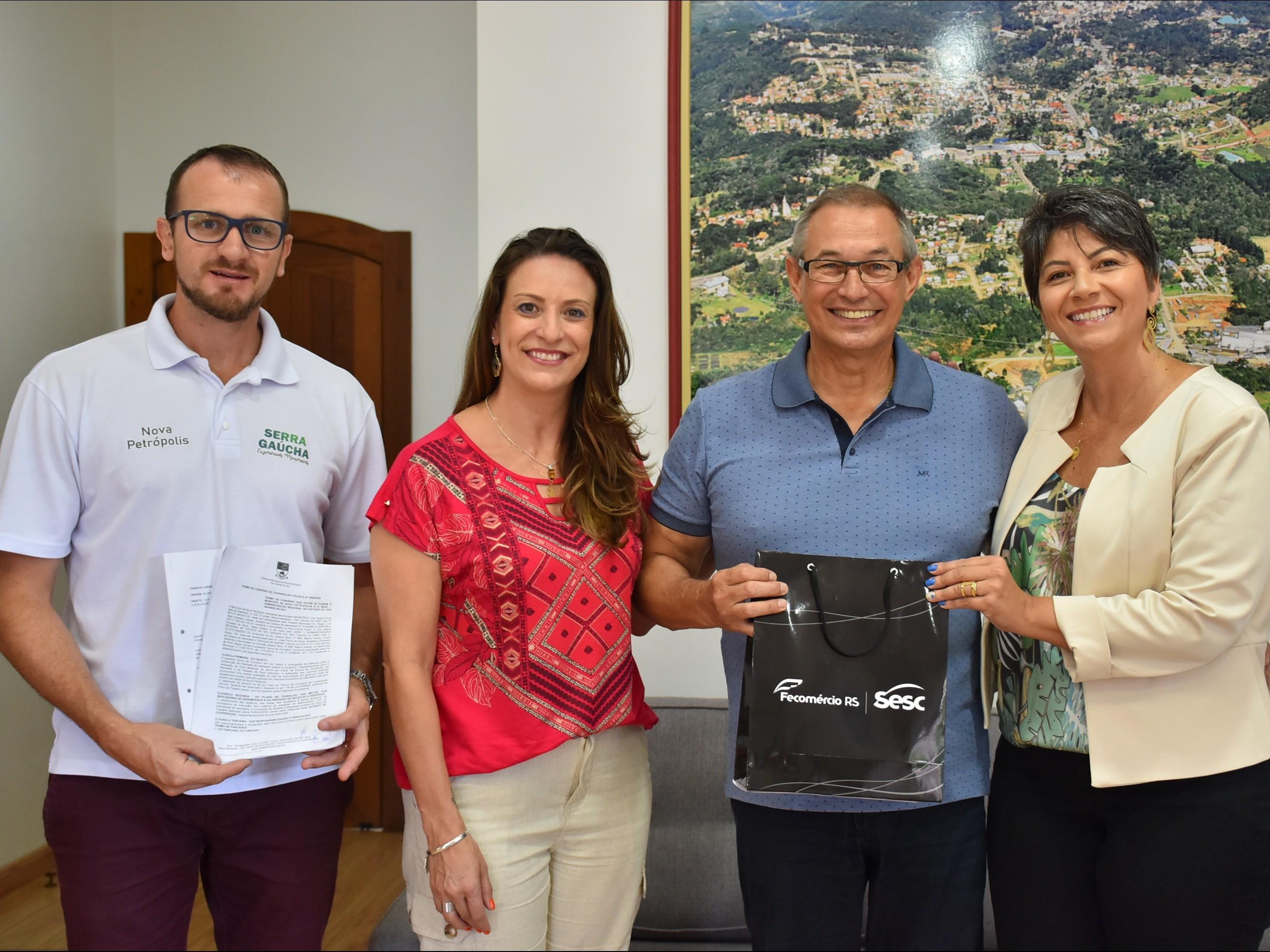 Foto de capa da notícia: Administração Municipal e Sesc Caxias do Sul celebram convênio para promoção de eventos e atrações em Nova Petrópolis