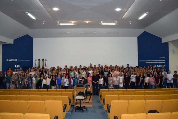 Foto de capa da notícia: Abertura oficial do ano letivo 2020 reúne cerca de 200 profissionais de educação