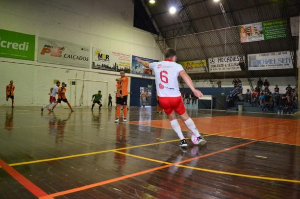 Foto de capa da notícia: Copa Nova Petrópolis de Futsal - 1ª Divisão inicia dia 14 de março