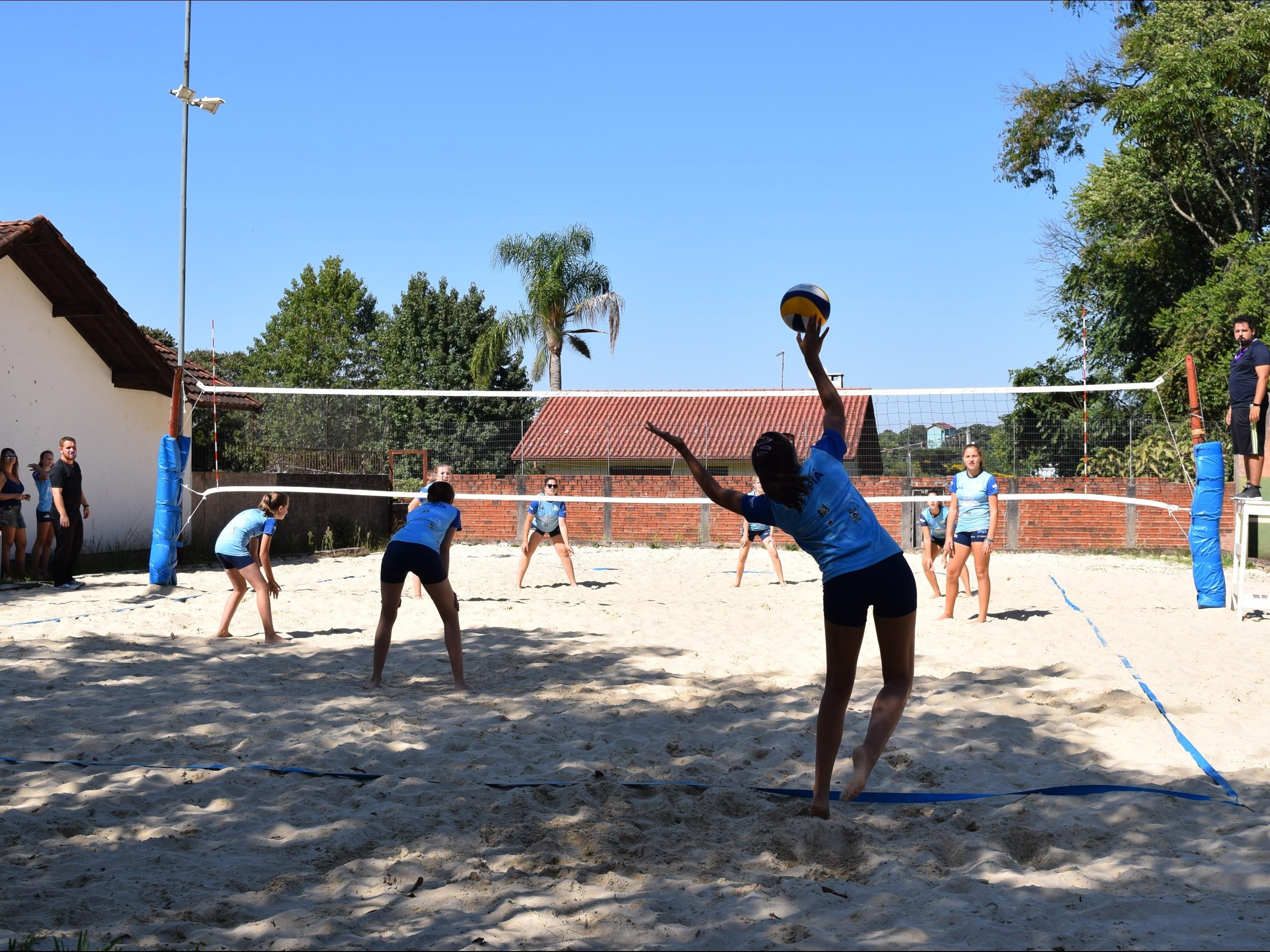 Foto de capa da notícia: Esportes na Areia foram atração no Verão no Jardim da Serra Gaúcha