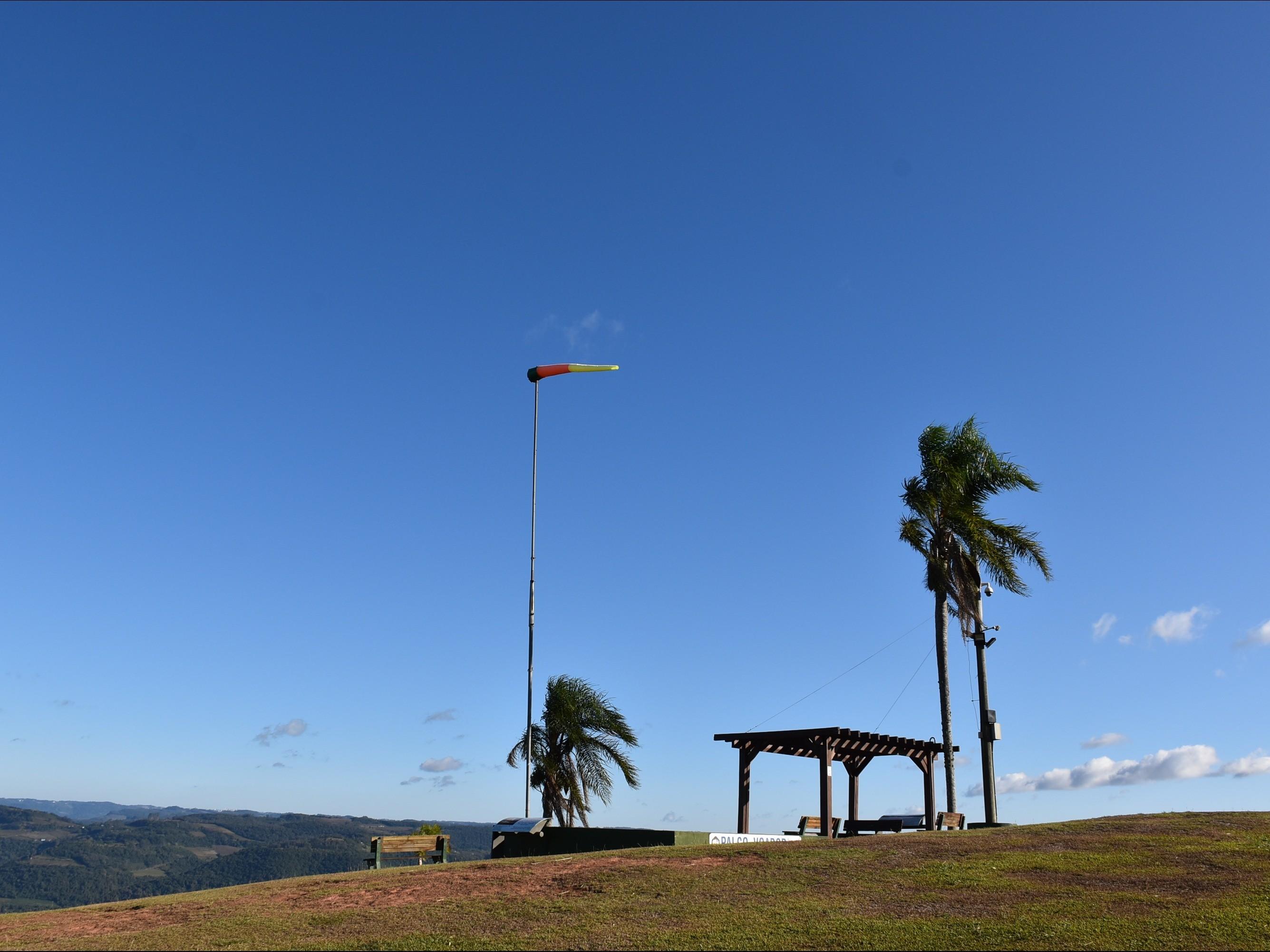 Foto de capa da notícia: Ninho das Águias permanece fechado até 30 de abril