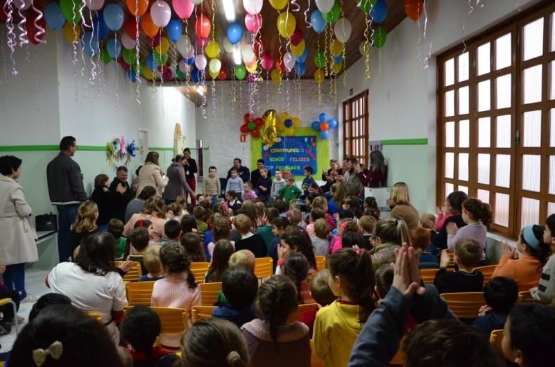Foto de capa da notícia: Escola Construindo o Saber comemora um ano de funcionamento