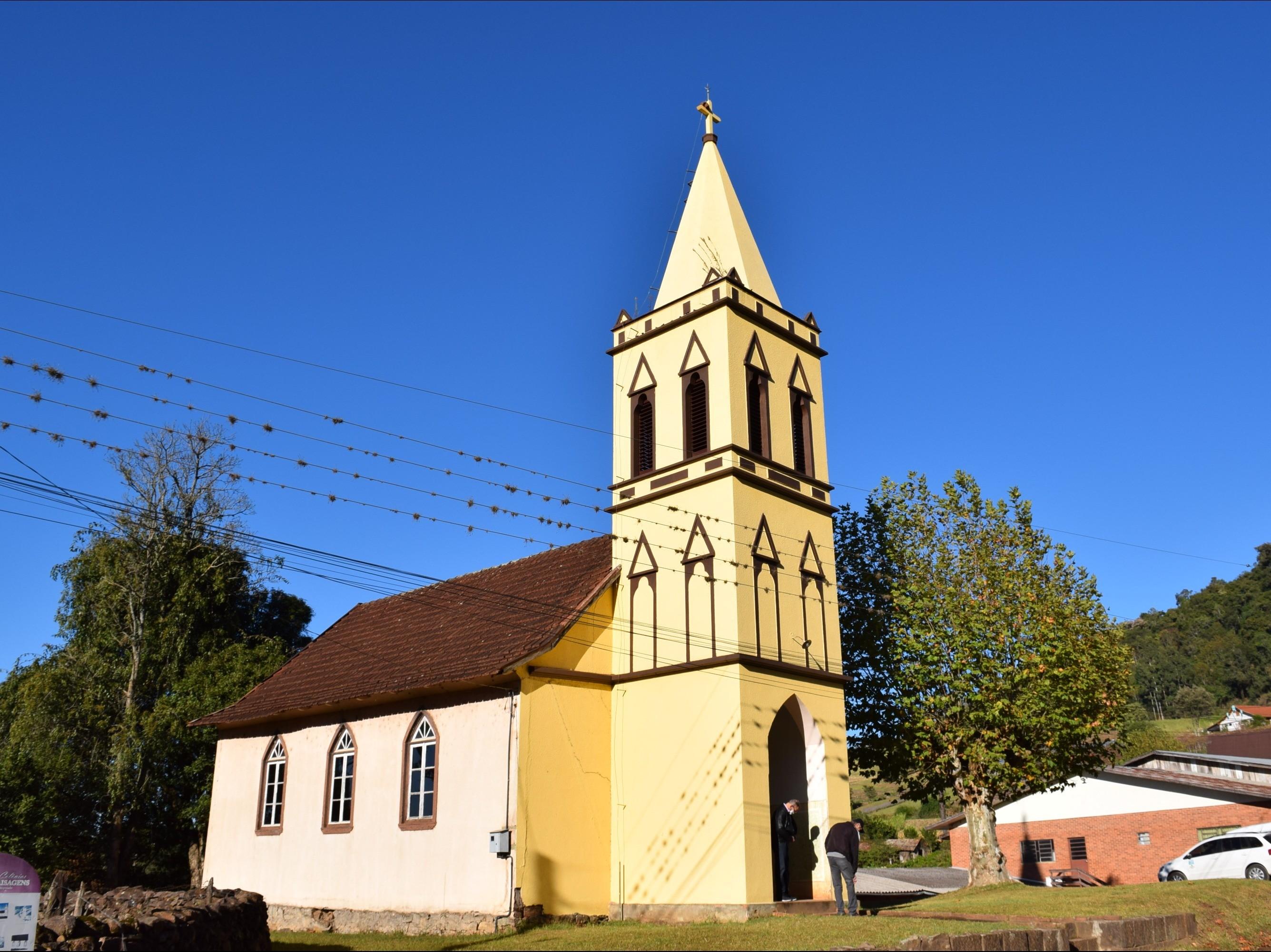 Foto de capa da notícia: Igreja de Nove Colônias construída há 95 anos será restaurada