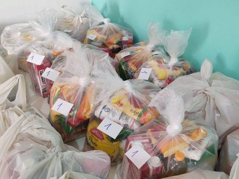 Foto de capa da notícia: CRAS entrega 375 cestas básicas em Nova Petrópolis