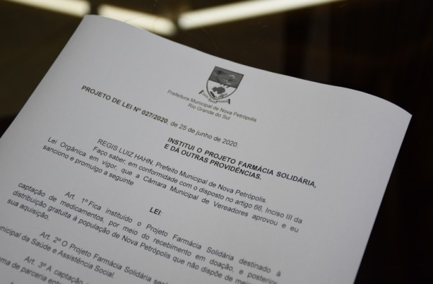 Foto de capa da notícia: Administração Municipal apresenta projeto de Lei para criar Farmácia Solidária em Nova Petrópolis