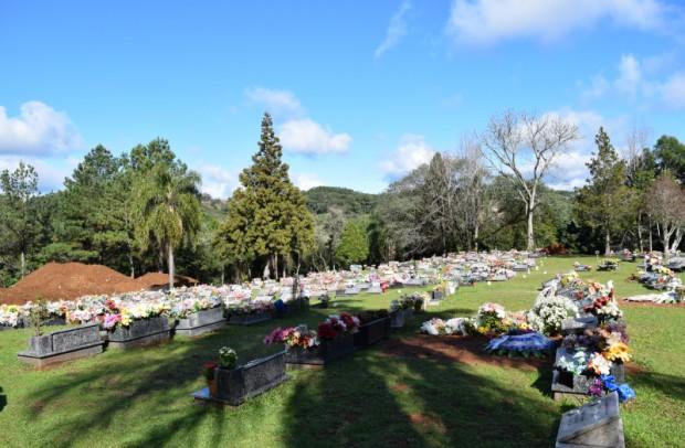 Foto de capa da notícia: Tarifa de manutenção do cemitério vence nesta sexta-feira