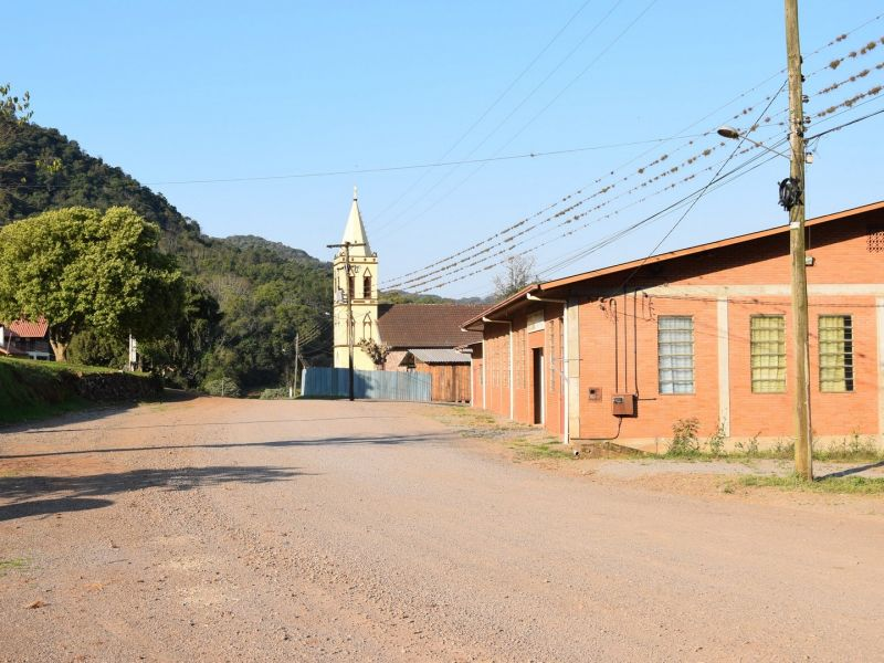 Foto de capa da notícia: Administração Municipal iniciará pavimentação das ruas Willibaldo Altreider e Treze Colônias