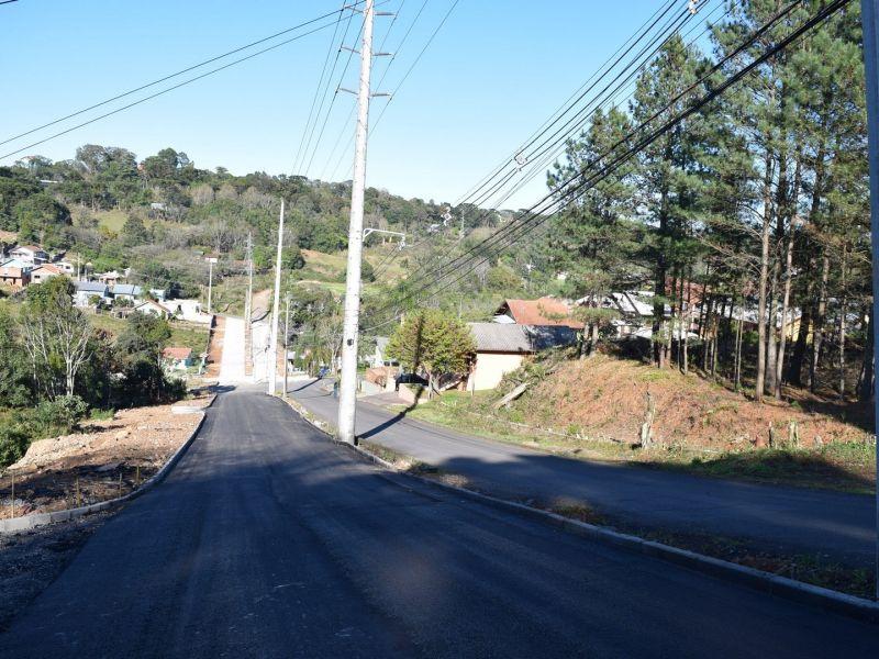 Foto de capa da notícia: Obras de pavimentação da área central de Nova Petrópolis são vistoriadas