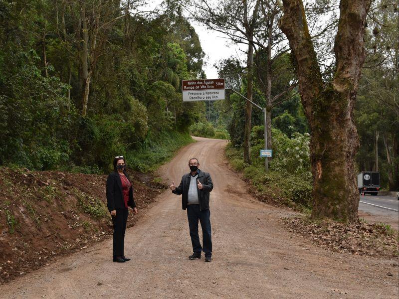 Foto de capa da notícia: Administração Municipal lança licitação para pavimentação do último trecho da Avenida Ninho das Águias