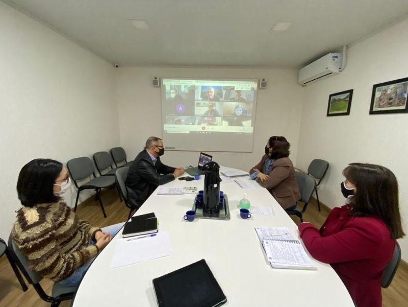 Foto de capa da notícia: Nova Petrópolis participa de reunião para discussão do protocolo regional no enfrentamento à COVID-19