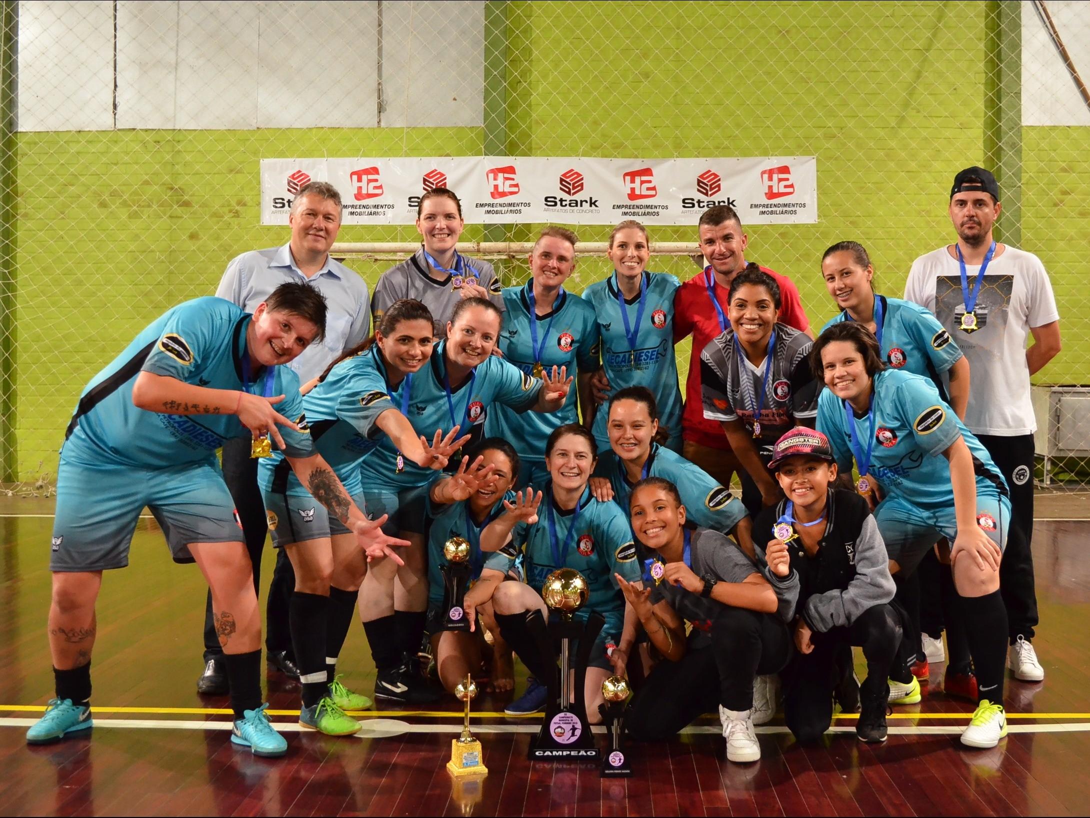Foto de capa da notícia: Fura Bola conquista título do Campeonato de Futsal Feminino 2018