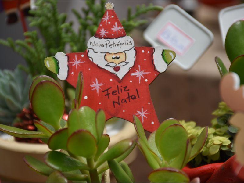 Foto de capa da notícia: Feira Natalina – Weihnachtsmarkt do Natal no Jardim da Serra Gaúcha está aberta em Nova Petrópolis