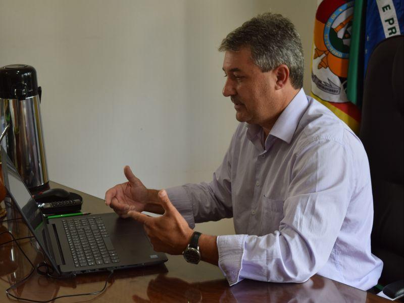 Foto de capa da notícia: Prefeito Jorge Darlei Wolf cobra a Corsan por falta de água