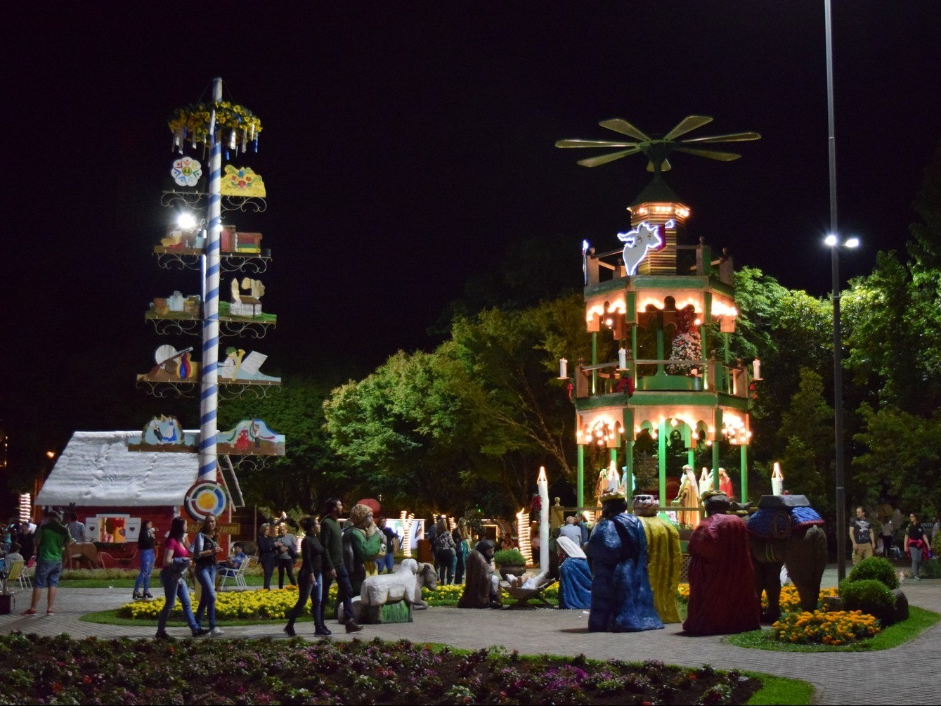 Foto de capa da notícia: Natal no Jardim da Serra Gaúcha enaltece a fé e emociona em Nova Petrópolis
