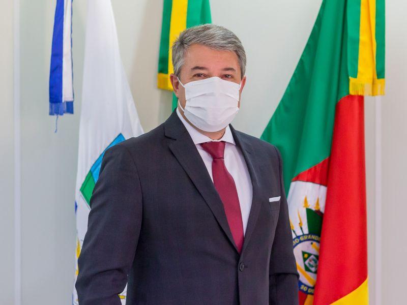 Foto de capa da notícia: Prefeito Jorge Darlei Wolf antecipa exames e permanece internado em Nova Petrópolis